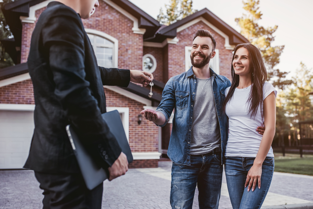 9 Helpful Tips For Every Part of Homeownership